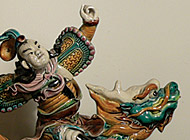 Chinese Earthenware - Desc: Imperial figures on dragons